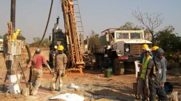 Drillers working at Bullman Minerals' Siguiri gold project in northeast Guinea. Credit:  Bullman Minerals
