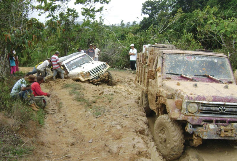 Zonte Metals crew endures rough terrain while scouting properties in Sur de Bolivar, Colombia. Credit: Zonte Metals