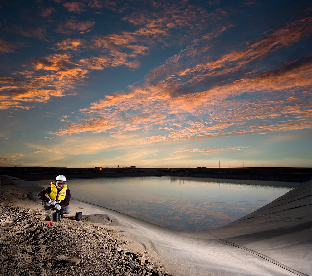 An employee at work at the Tasiast mine site. Credit: Kinross Gold.