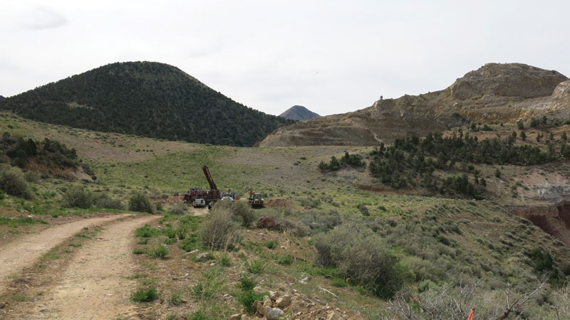A drill parked on the east side of the historic Basin pit at Pilot Gold's Goldstrike gold project in Utah.  Credit: Pilot Gold.