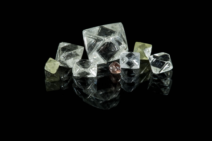 Selection of eight diamonds from CH-6 bulk sample Batch C. The largest stone weighs 8.87 carats, the smallest is 0.22 carats. Peregrin Diamonds.