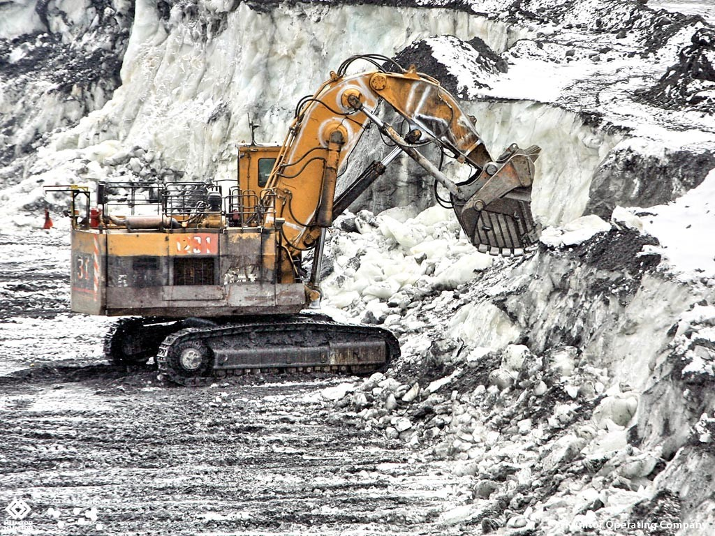 Excavation on glaciers at the Kumtor mine site. Credit: Centerra Gold.