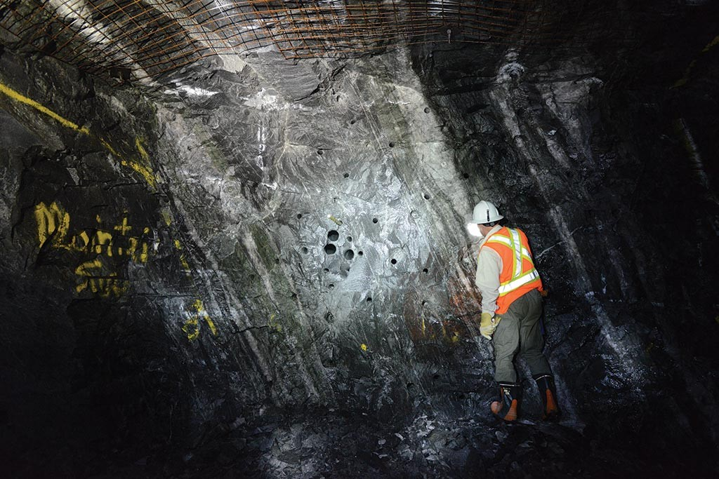 George Flach, Harte Gold's vice-president of exploration, examines ore face at the Sugar gold deposit. Credit: Harte Gold.