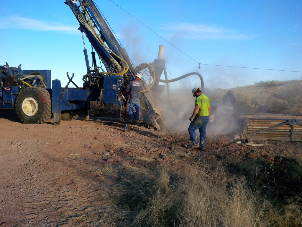 O'Keefe Drilling crew collars GMV's initial hole at the Mexican Hat property. Credit: GMV Minerals.