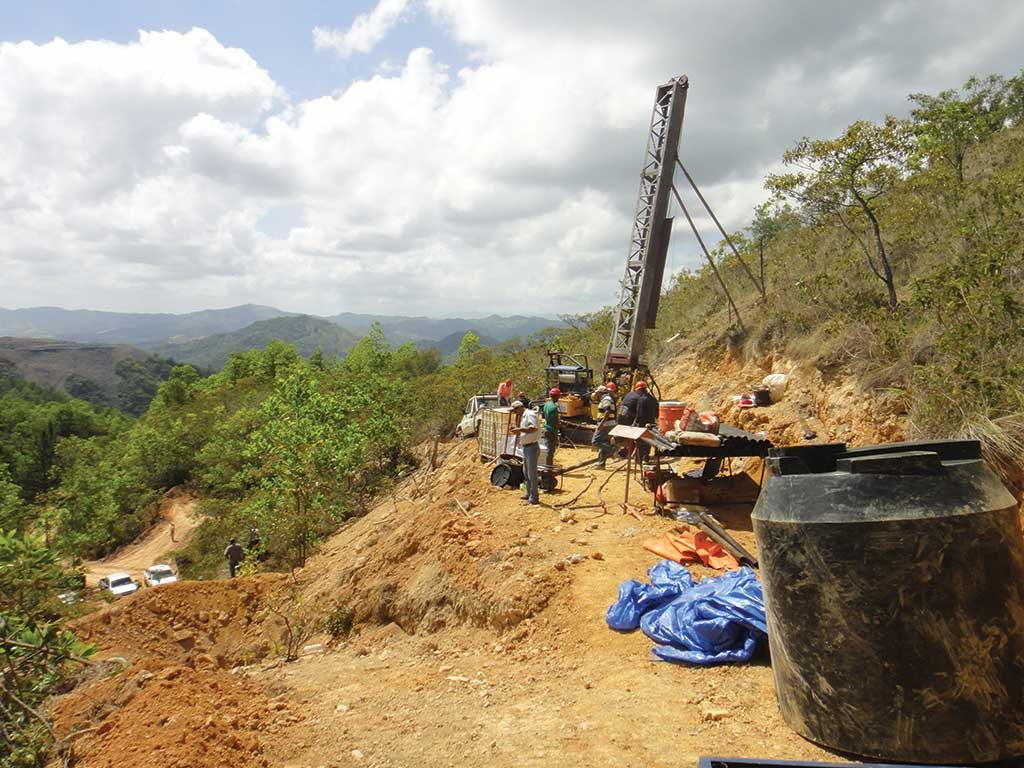 Drillers on Everton Resources' Cabirma del Cerro gold property, north of Barrick Gold and Goldcorp's Pueblo Viejo mine in the Dominican Republic. Credit: Everton Resources.