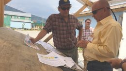 Klondike Gold president and CEO Peter Tallman (left) and newsletter writer Micky Fulp on the Klondike property near Dawson City, Yukon, in July 2017. Photo by Lesley Stokes.
