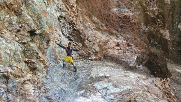 A worker in the Montiel pit at Cordoba Minerals' San Matias copper-gold property, 200 km north of Medellin, Colombia. Credit: Cordoba Minerals.