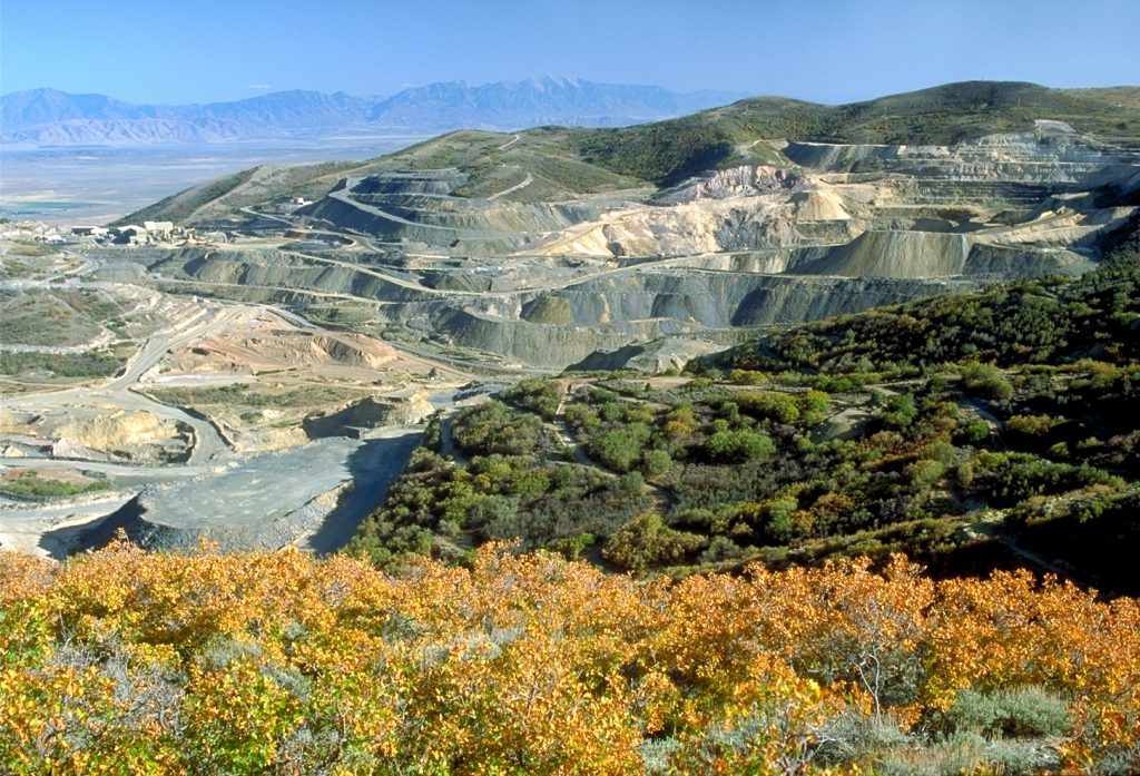 American Barrick Resources' Mercur gold mine in Utah in 1985. Credit; Barrick Gold.