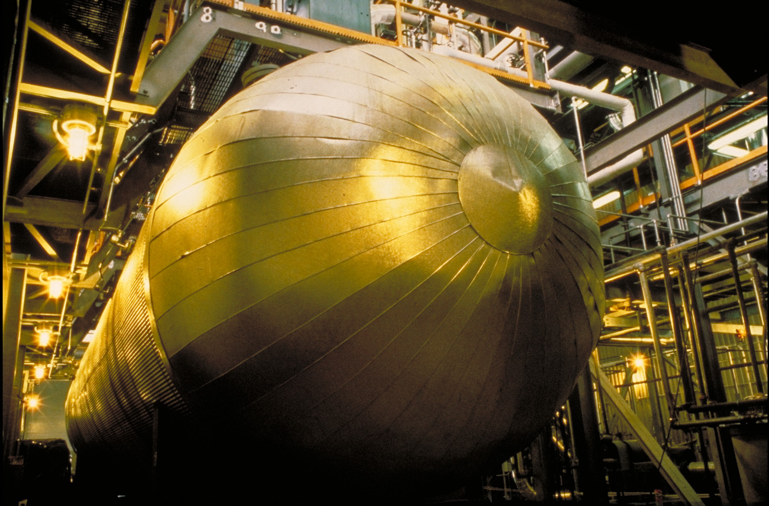 The autoclave at American Barrick Resources' Mercur gold mine in Utah in 1988. Credit: Barrick Gold.