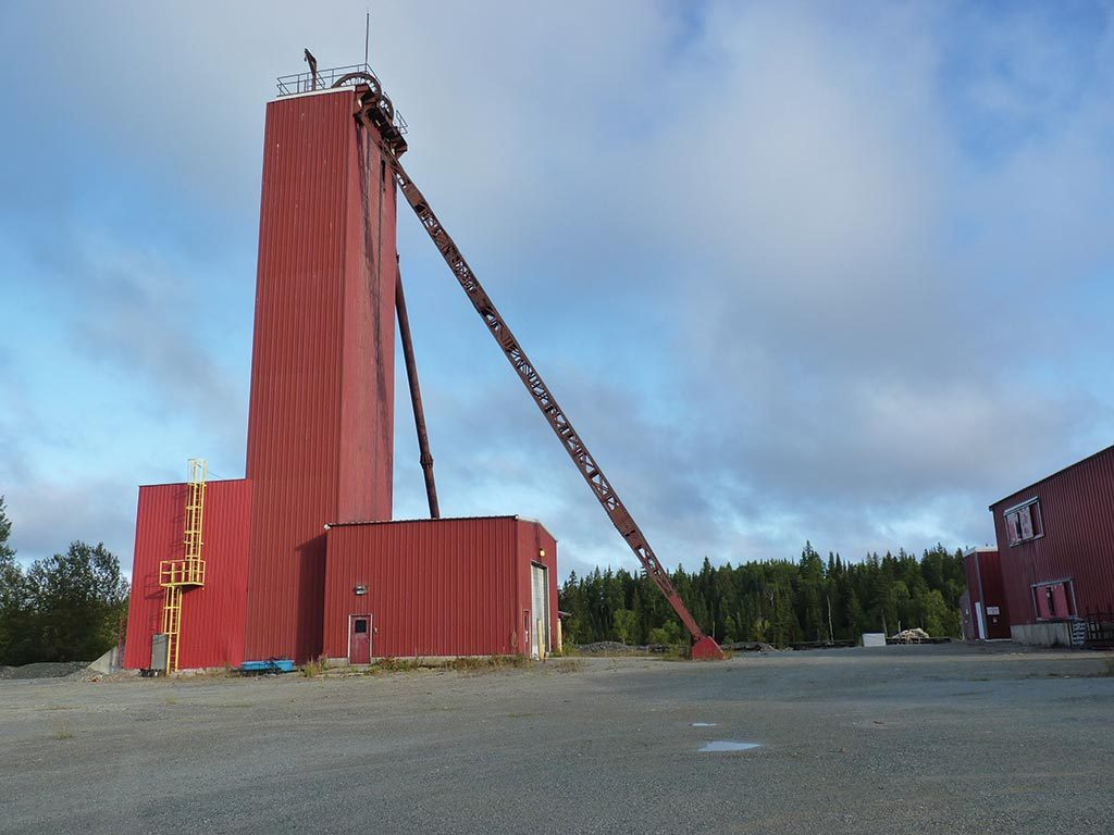 A headframe at the historic McGarry gold project in Ontario, which Orefinders is buying from Kerr Mines. Credit: Orefinders.