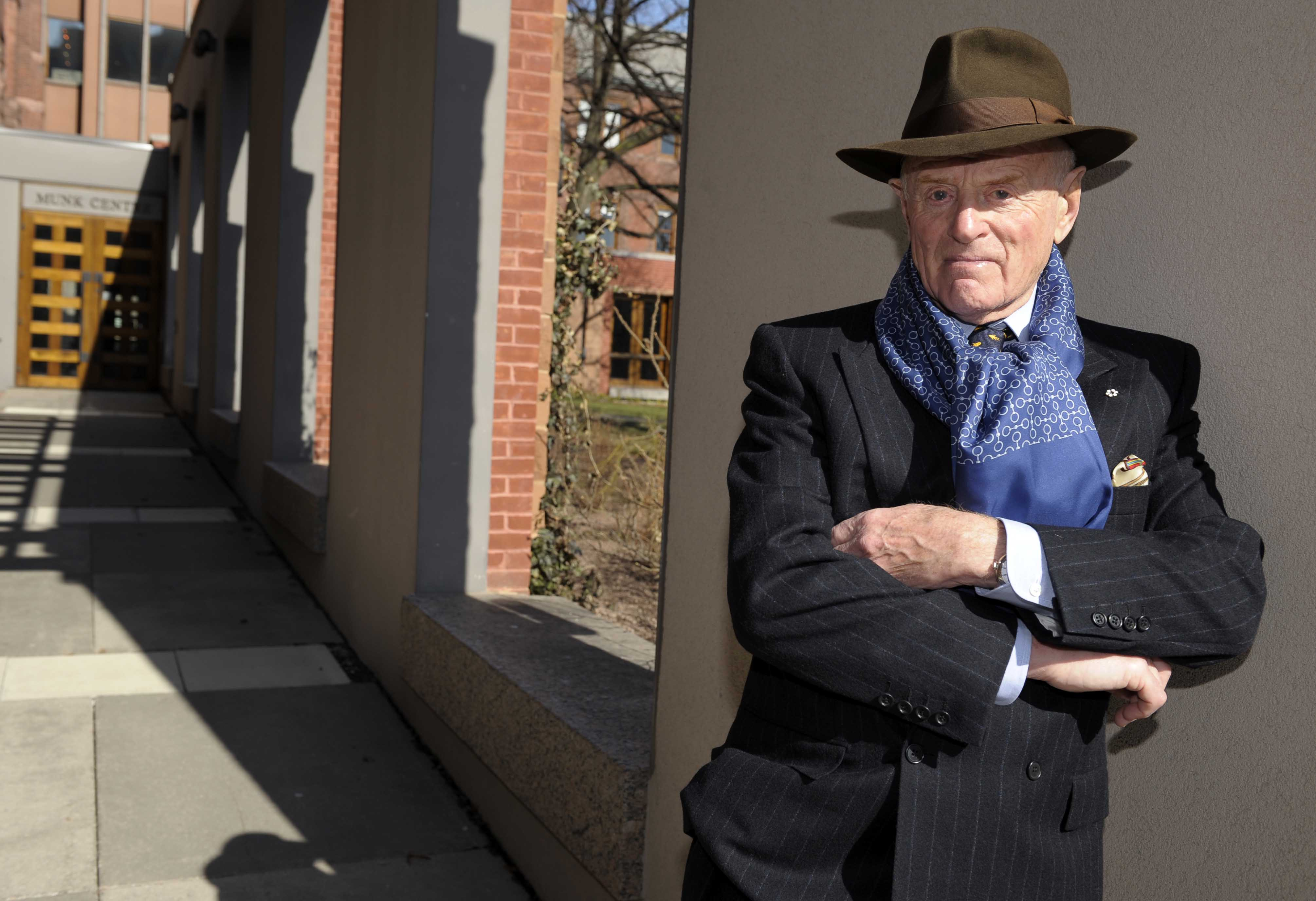 Peter Munk outside the Munk Centre for International Studies at the University of Toronto in 2008. Credit: Tibor Kolley.