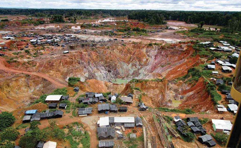 An artisanal miner excavation site at Gold Reserve's 45%-owned Siembra Minera gold-copper project in Venezuela. Credit: Gold Reserve.