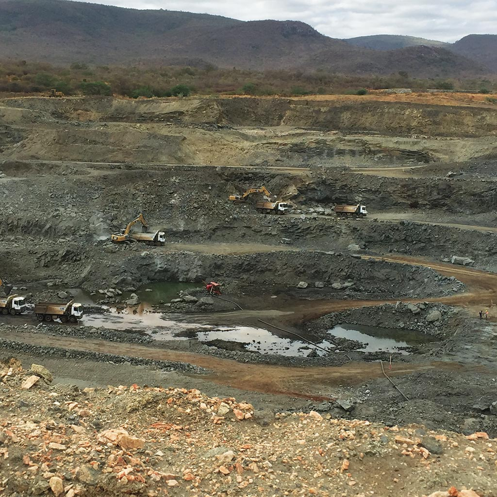Pit operations in 2016 at Largo Resources' Maracas Menchen vanadium mine in Brazil, where Anglo Pacific Group holds a 2% NSR. Photo by The Northern Miner.