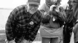 Gren Thomas, shown here in a 1995 photograph with daughter Eira, examines core from the A-418 kimberlite pipe at the Diavik property.