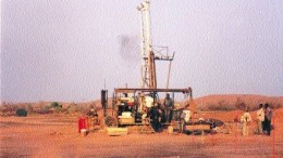 Photo by Jim WhyteA drill turns on High River Gold's Taparko project in Burkina Faso in 1998. High River owns 80% of Taparko; the remainder is held by the government of Burkina Faso.