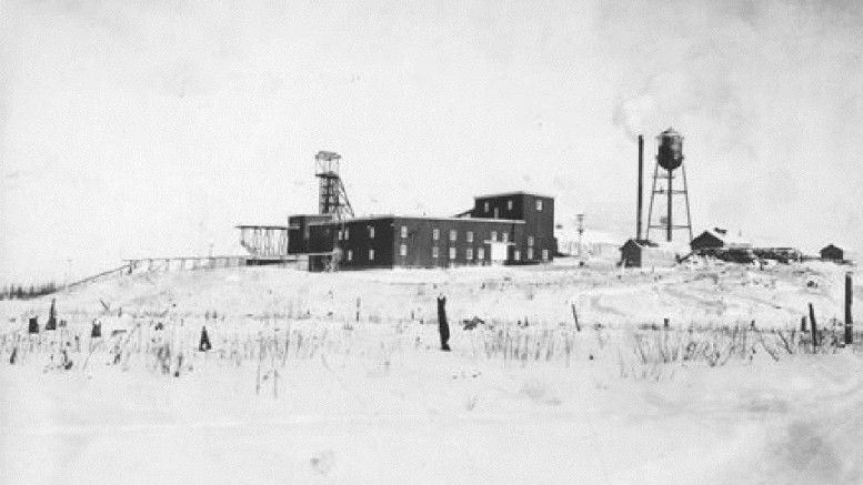TNM ARCHIVESThe Red Lake Gold Shore mine, 1937.