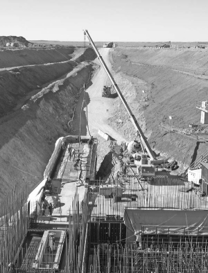 Construction work in 2007 at Ivanhoe Mines and Rio Tinto's Oyu Tolgoi coppergold project in Mongolia, about 550 km south of the capital, Ulaanbaatar.