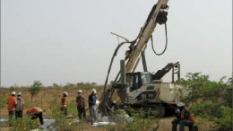 Drillers at Riverstone Resources' Karma gold project in Burkina Faso. Photo by The Northern Miner