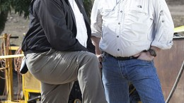 The Dominican Republic's Director General of Mines Alexander Medina (left) with Unigold CEO Andrew Cheatle at the Neita gold project. Source: Unigold