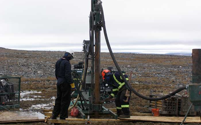 A drill crew at Peregrine Diamonds' Chidliak diamond project in Nunavut. Credit: Peregrine Diamonds