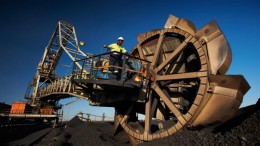 A bucket-wheel excavator at BHP Billiton's Klipspruit thermal coal mine in South Africa. Credit: BHP Billiton