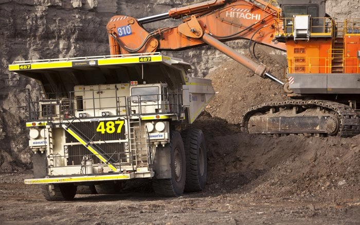 Loading a truck at Rio Tinto's Hunter Valley coal mine in Australia.  Credit: Rio Tinto