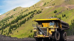 A truck at Teck Resources Fording River metallurgical coal project in southeastern B.C. Credit: Teck Resources