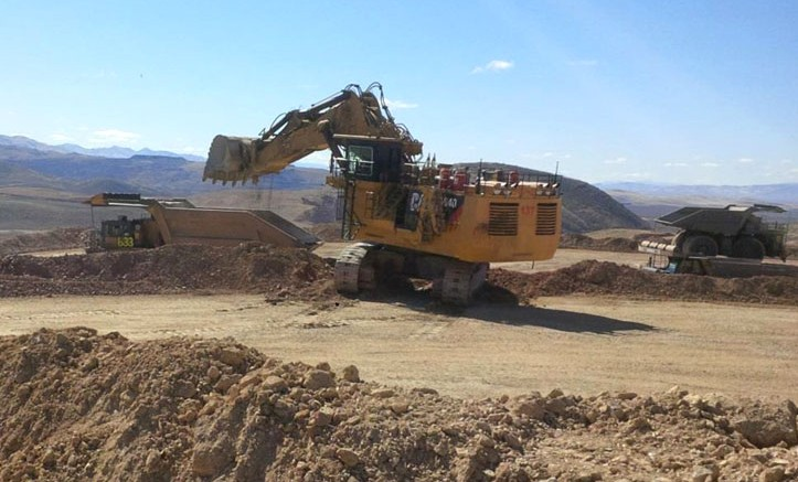 Equipment during the first day of stripping for the second phase of work at Premier Gold and Goldcorp's South Arturo gold project in Nevada. Source: Premier Gold Mines