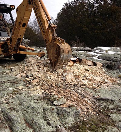 Outcropping SST formation rocks at Select Sands' Sandtown frac sand project in Arkansas. Source: Select Sands