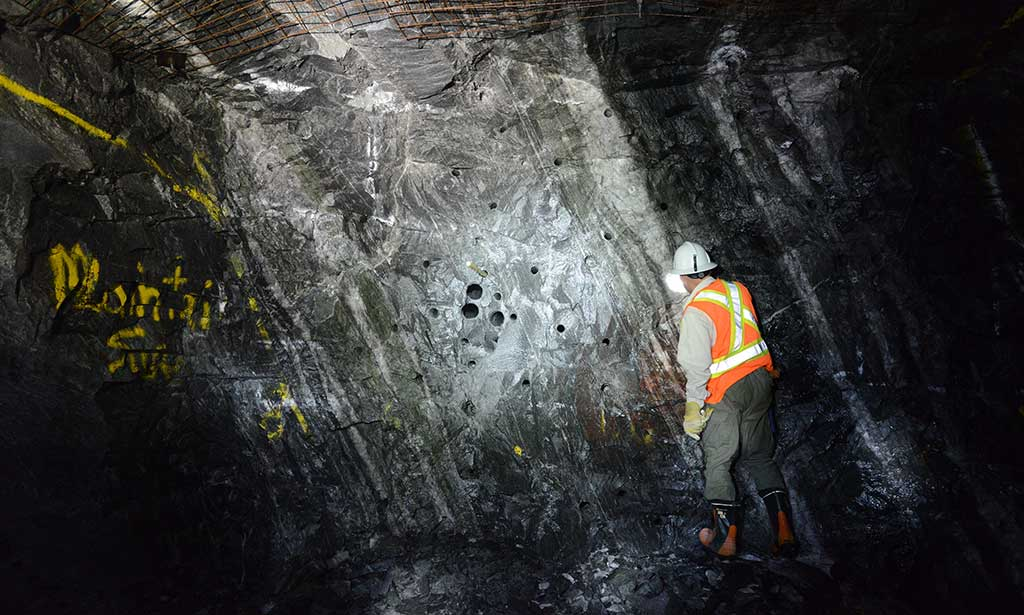 Studying rock underground at Harte Gold's Sugar project in northern Ontario. Credit: Harte Gold.