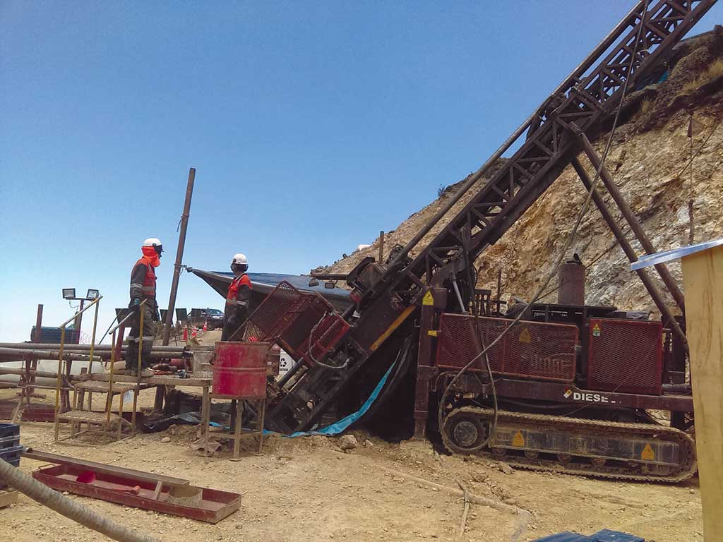 Drillers targeting Breccia Pipe #1 at Chakana Copper's Soledad project in the western ranges of the Peruvian Andes. Credit: Chakana Copper.