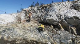Marathon Gold geologists examining quartz-tourmaline-pyrite-VG veining at the Frank zone at Valentine Lake. Credit: Marathon Gold.