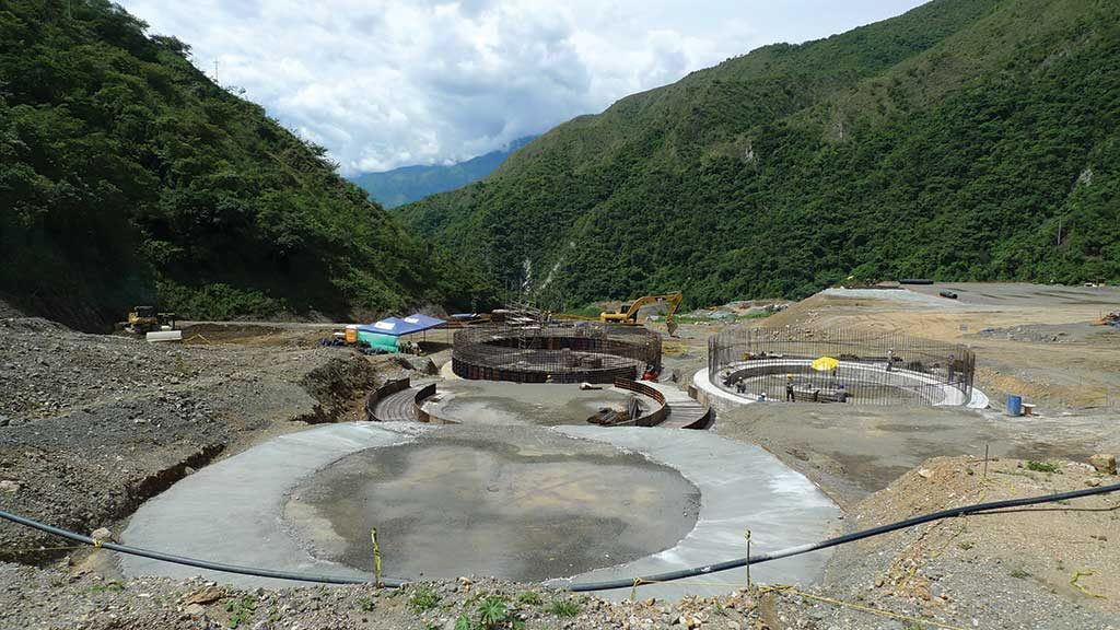 Leach tanks under construction at the Buritica gold project. Photos by David Perri.
