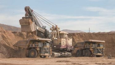 An electric shovel loads a haul truck at Barrick Gold and Premier Gold Mines' South Arturo gold mine in Nevada. Credit: Premier Gold Mines.