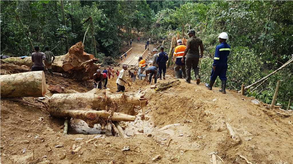 Road teams working on clearing and building a road to Bisie. Credit: Alphamin Resources.