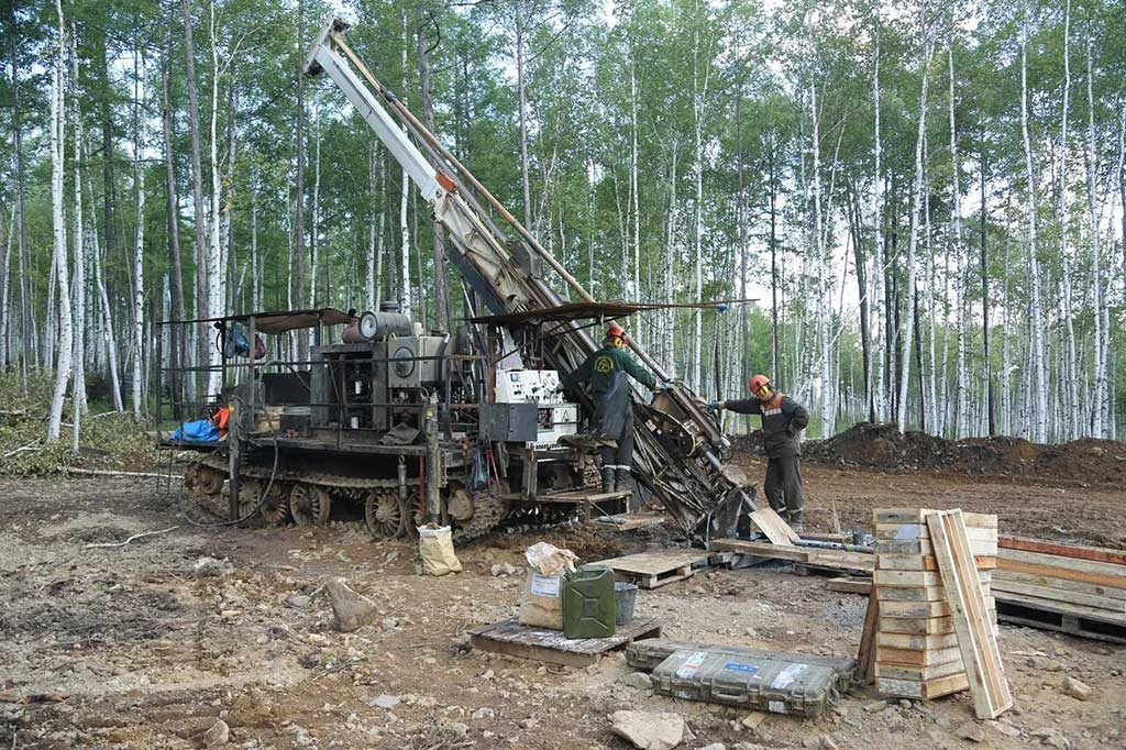 A drill crew at the Sergeevskoe gold project in southeastern Siberia. Credit: Orsu Metals.
